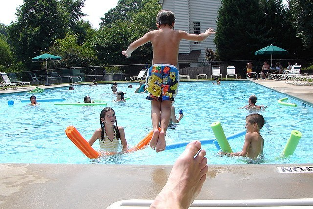 Ensure Safety At Swimming Pool